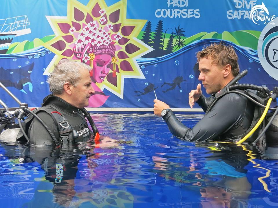 Surmonter votre nervosité lorsque vous baptême plongée Bali première