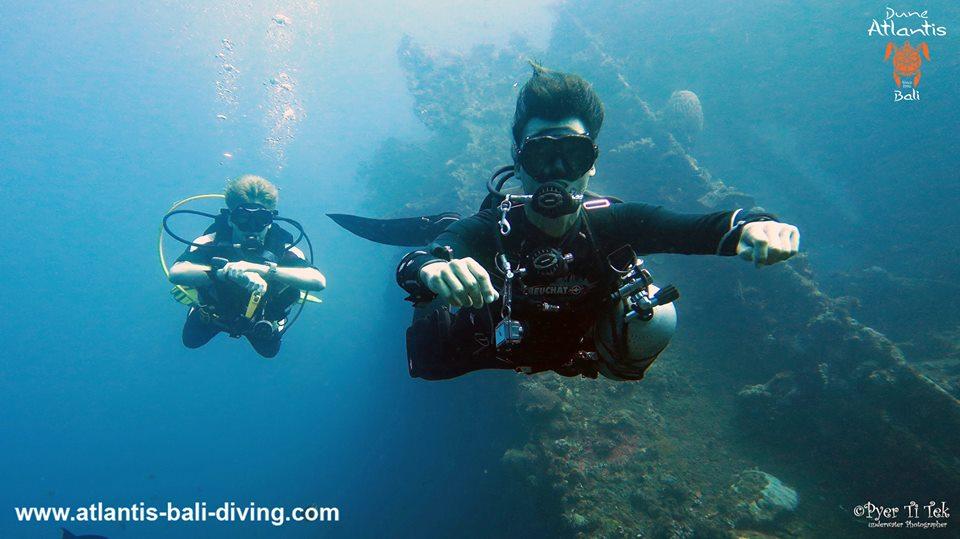 De nouvelles découvertes avec une plongée pour voir l'épave bali tulamben